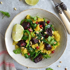 TURMERIC QUINOA WITH ROASTED BEETROOT & SPINACH (GLUTEN FREE, VEGAN, CANDIDA FRIENDLY)