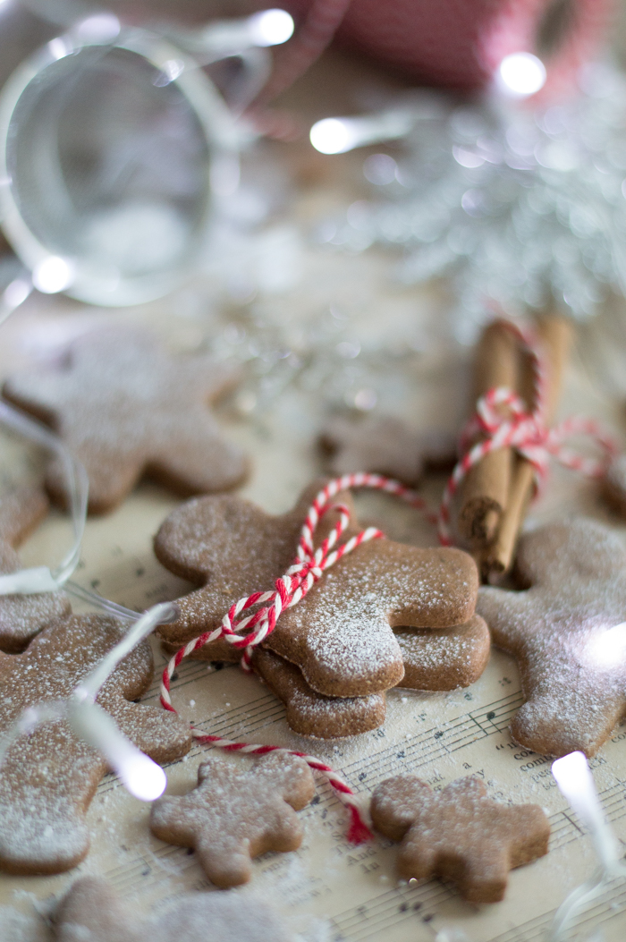 Healthy gluten & sugar free gingerbread cookies #glutenfree #sugarfree #gingerbread