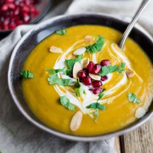 SUPER EASY ONE POT SQUASH & SWEET POTATO SOUP (VEGAN, GLUTEN FREE, DAIRY FREE)
