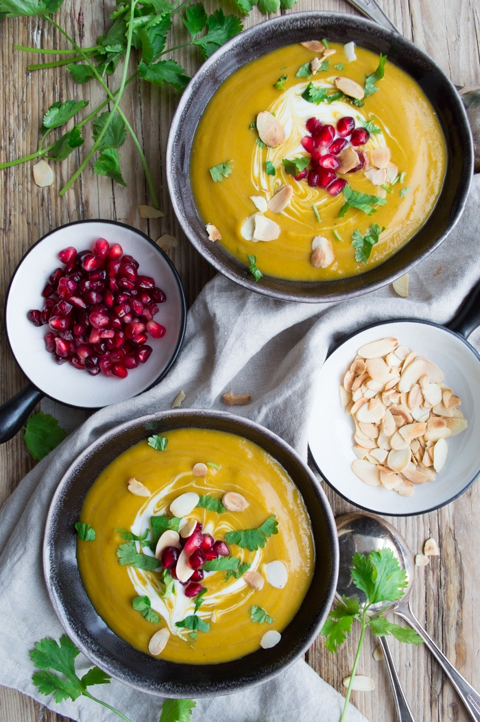 Sweet potato & squash soup #glutenfree #dairyfree #vegan #healthy | via @fit.foodie.nutter