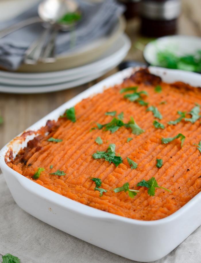 Vegan shepherd's pie #shepherdspie #veganpie #vegandinner #familydinner #comfortfood via @fit.foodie.nutter