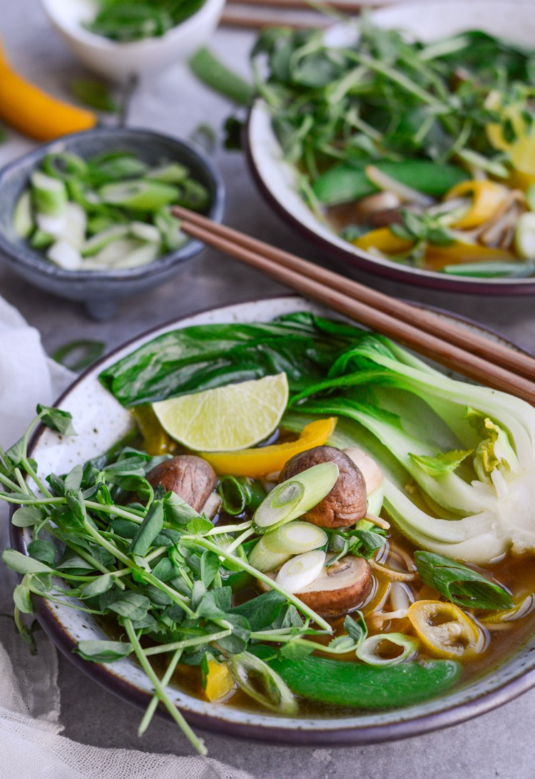Super easy Edamame noodle soup via @fit.foodie.nutter #glutenfree #vegan #healthyrecipes #cleaneating #veganrecipes