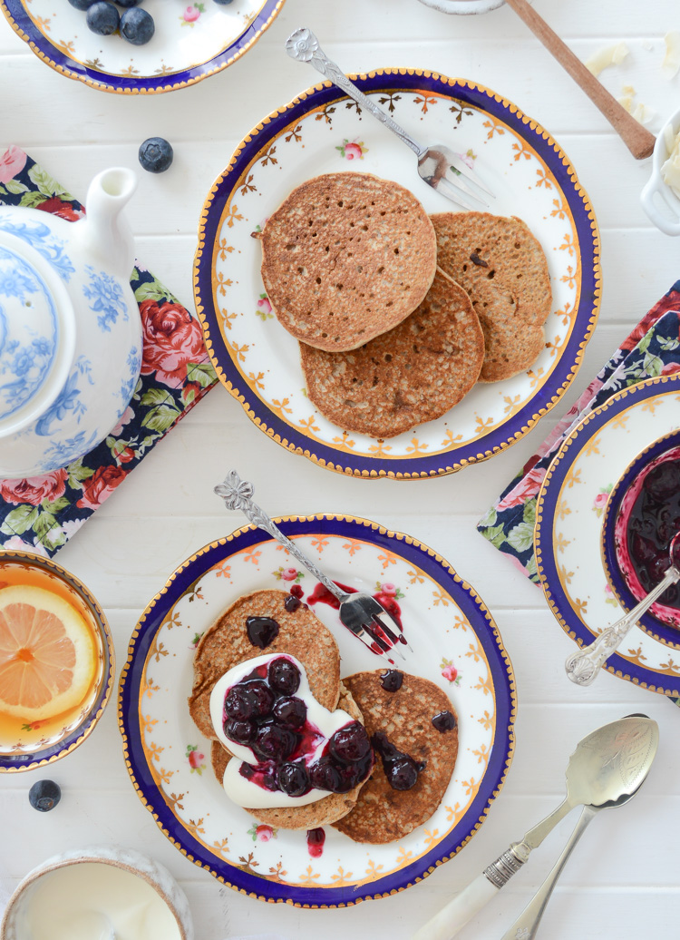 Vegan pancakes fit for a queen via Fit Foodie Nutter #vegan #veganpancakes #royalwedding #royalweddingrecipes #pancakes #healthy #cleaneating