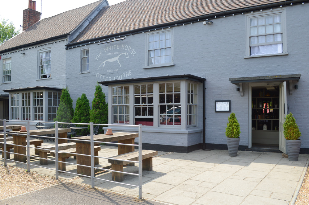 The White Horse, Otterbourne, England, Hampshire #hampshire #england #veganhampshire